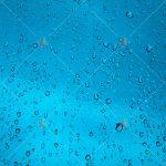 تصویر با کیفیت قطرات آب روی شیشه