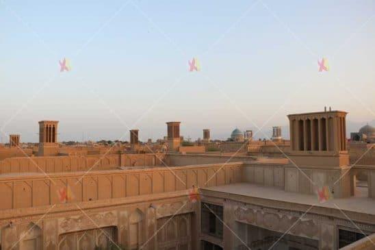 تصویر با کیفیت بادگیرهای و بخش تاریخی شهر یزد