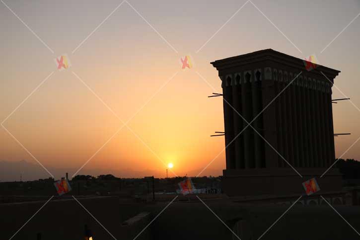 تصویر با کیفیت غروب شهر یزد