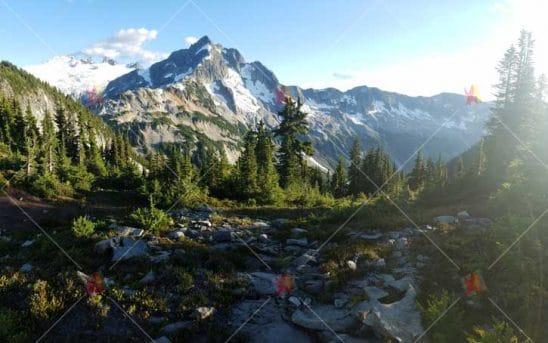 تصویر با کیفیت طبیعت کوهستانhi quality mountain nature