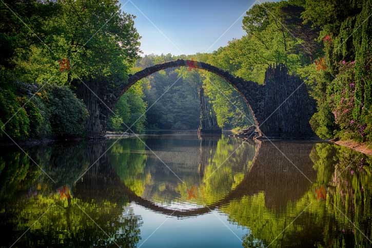 عکس با کیفیت رودخانه، پل و جنگل high quality picture Natural River bridge Jungle